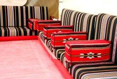 Disposizione araba tradizionale della disposizione dei posti a sedere di stile Fotografia Stock