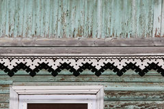 disposizione artsy della decorazione e vecchia casa di legno classica colore di legno del turchese di struttura dei modelli trian immagini stock
