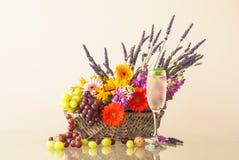 Disposizione dei fiori di estate Immagini Stock Libere da Diritti