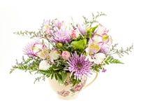 Disposizione dei fiori su bianco Fotografia Stock Libera da Diritti