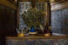 Disposizione dei piatti reali nel refettorio di Frederiksborg Cas immagini stock