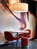 Disposizione dei posti a sedere del caffè di svago immagine stock