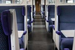 Disposizione dei posti a sedere del treno del portello di colpo Fotografie Stock Libere da Diritti