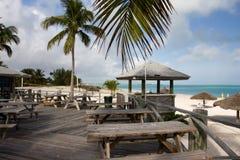 Disposizione dei posti a sedere della barra della spiaggia Immagini Stock Libere da Diritti