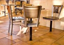 Disposizione dei posti a sedere di Resturant degli alimenti a rapida preparazione Fotografia Stock Libera da Diritti