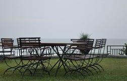 Disposizione dei posti a sedere perfetta che trascura l'Oceano Indiano fotografia stock