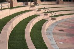 Disposizione dei posti a sedere in una fase del amphitheater immagini stock