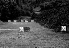 Disposizione dell'obiettivo sulla gamma di fucilazione immagini stock