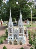 disposizione della costruzione di chiesa alla mostra delle indicazioni in miniatura immagine stock libera da diritti