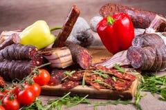 Disposizione delle specialità gastronomiche fotografia stock libera da diritti