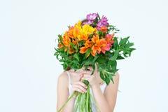 Disposizione di alstroemeria della flora del regalo del mazzo del fiore Fotografia Stock Libera da Diritti