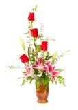 Disposizione di fiore con il giglio e le rose Immagine Stock