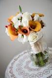 Disposizione di fiore del mazzo di cerimonia nuziale Immagini Stock