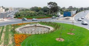 Disposizione di fiori e rotonde a Malta immagine stock