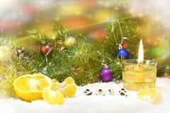 Disposizione di Natale con la candela fotografie stock