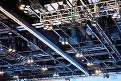 Disposizione di Sportlight sul soffitto Fotografia Stock Libera da Diritti