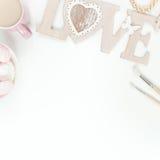 Disposizione piana disegnata con i ranunculos rosa Fotografia Stock