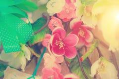 Disposizioni di fiori - pastello del mazzo di celebrazione delle rose della molla Immagini Stock