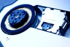 Disque compact-ROM à l'intérieur d'instruction-macro Image stock