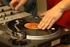 Disque et le DJ photos libres de droits