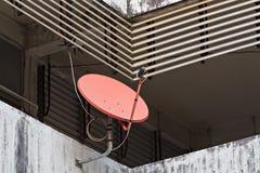Disque satellite rouge Photos libres de droits