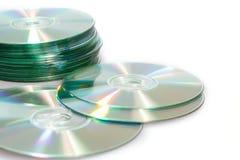 Disques compacts cd sur un fond blanc images libres de droits