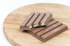 Disques de chocolat d'isolement sur le fond blanc Image libre de droits