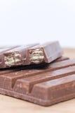 Disques de chocolat d'isolement sur le fond blanc Image stock