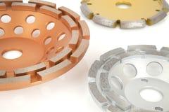 Disques de coupe avec les diamants - disques de diamant pour le béton d'isolement sur le fond blanc Images stock