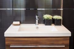 Dissipador do banheiro fotos de stock royalty free