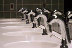 Dissipadores 2 do banheiro Fotografia de Stock