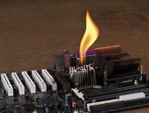 Dissipatore di calore di fusione sulla scheda del calcolatore Immagini Stock Libere da Diritti