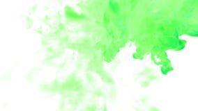 Dissolva a tinta VERDE na água ou nas emanações no ar para efeitos e compositing com máscara alfa Use-o para o fundo ilustração stock