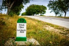 Distância do ponteiro na estrada 13 quilômetros moldova Foto de Stock Royalty Free
