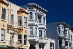 Distelfalter, viktorianische Häuser an Alamo-Quadrat San Francisco, lizenzfreie stockfotos