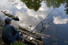 Distendendosi nel lago Fotografia Stock Libera da Diritti