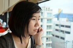 Distensione della giovane donna Fotografie Stock Libere da Diritti
