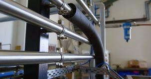 Distillatiepijpen in fabriek 4k