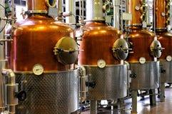 Distilleerderij - koper stock foto
