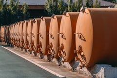 Distilleria del liquore dei carri armati cisterna fotografia stock
