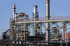 Distillerie chimique d'essence de matériel d'oléagineux photo libre de droits