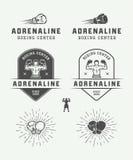 Distintivi ed etichette di logo di arti marziali e di pugilato nello stile d'annata royalty illustrazione gratis