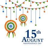 Distintivo e decorazione tricolori indiani per quindicesimo August Happy Independence Day dell'India Immagine Stock