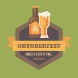 Distintivo piano dell'illustrazione di festival della birra di Oktoberfest royalty illustrazione gratis