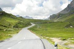 Distretto di Albula-passaggio, nelle alpi della Svizzera Immagini Stock Libere da Diritti