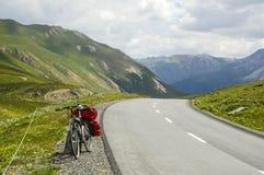Distretto di Albula-passaggio, nelle alpi della Svizzera Immagini Stock