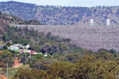 Distretto di Wyangala e parete della diga Fotografie Stock Libere da Diritti