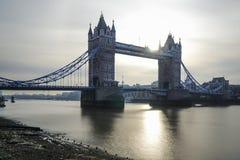 Distretto finanziario di Londra e del ponte della torre fotografie stock