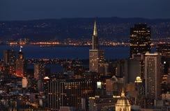 Distretto finanziario di San Francisco alla notte Fotografia Stock Libera da Diritti