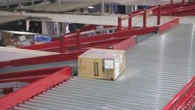 Distribución de la entrega del transportador almacen de metraje de vídeo